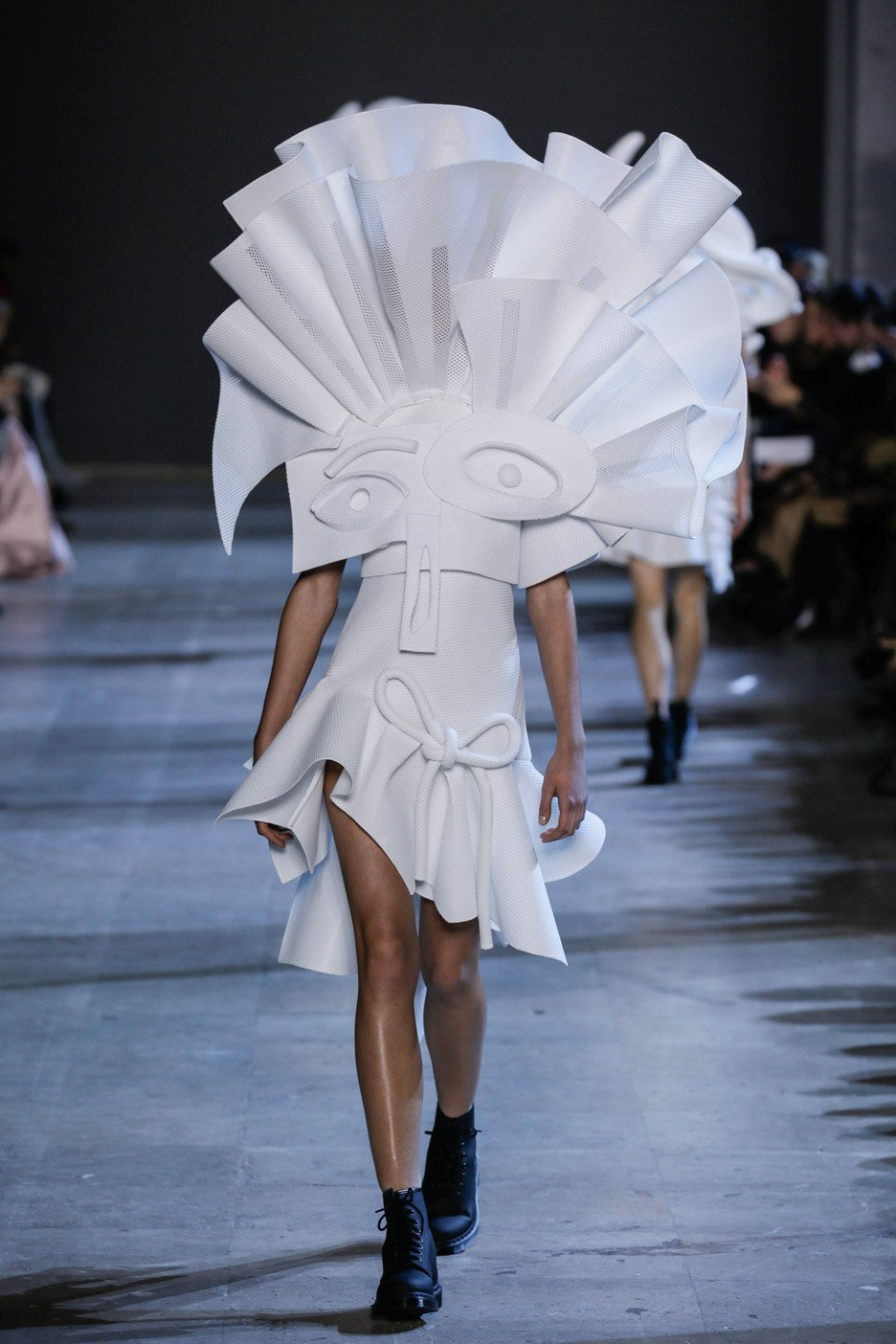 Viktor&Rolf Spring/Summer 2016 haute couture Cubist inspired collection
