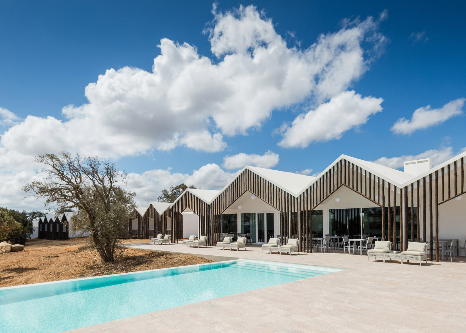 Sobreiras Alentejo Country Hotel by Future Architecture Thinking
