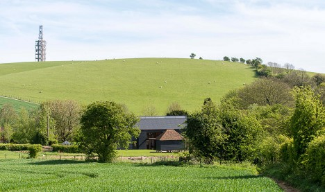 ancient-party-barn-liddicoat-goldhill-architecture-house-conversion-kent-england-will-scott_dezeen_936_1