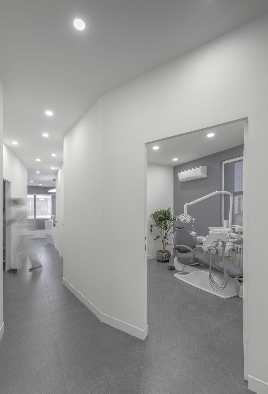 ayeneh office designs minimal interior for iranian dental clinic