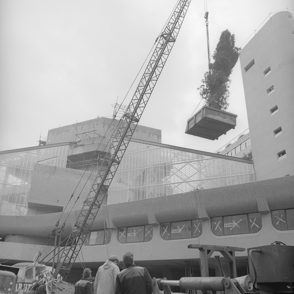 """Birth"" of Brutalist Barbican Estate documented in Peter Bloomfield's construction photos"