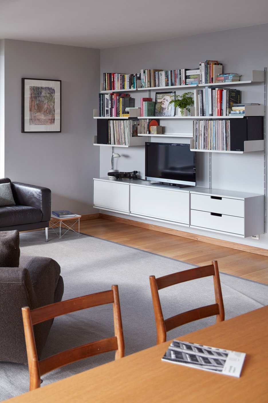 apartment interior design. Barbican flat by Laurence Quinn Architects renovates in London s Estate