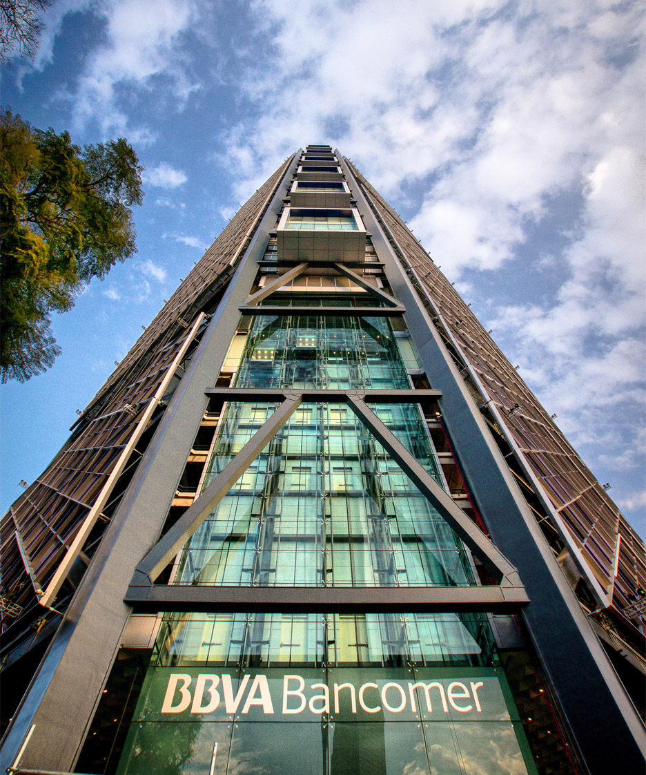 Torre BBVA Bancomer en ciudad de México by Legorreta & Rogers