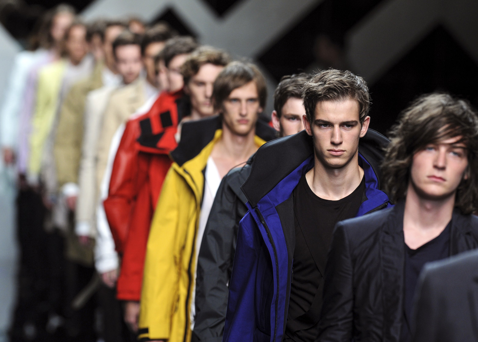 Burberry to sell its collections straight from the catwalk