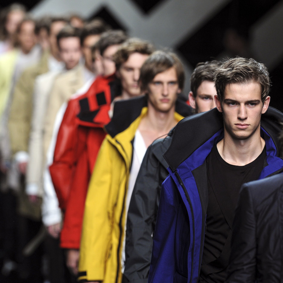 Burberry to sell fashion collections straight from the catwalk