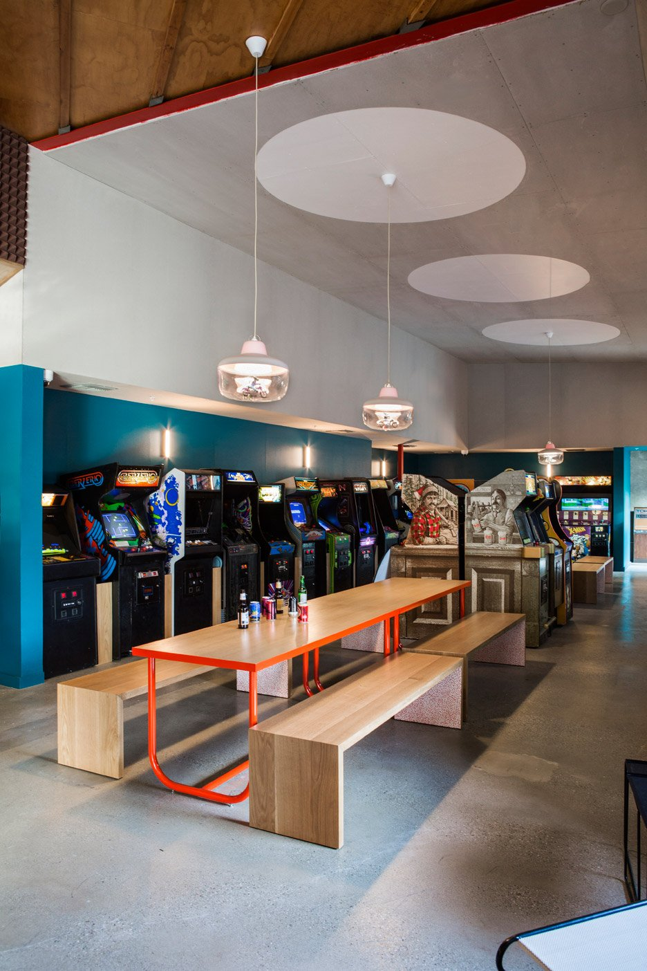 Novices design bitches creates eclectic la restaurant