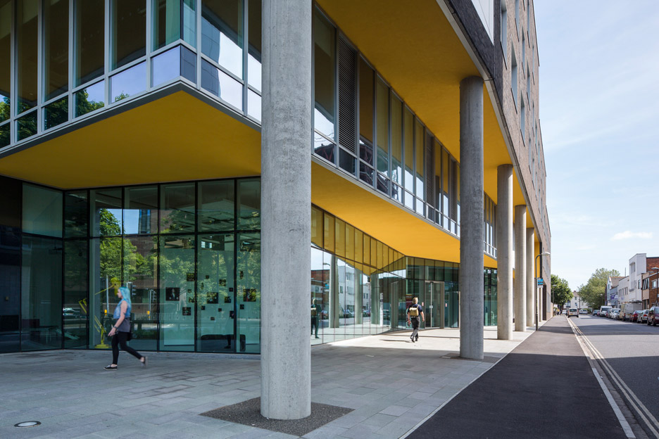 University of Portsmouth by Penoyre and Prasad