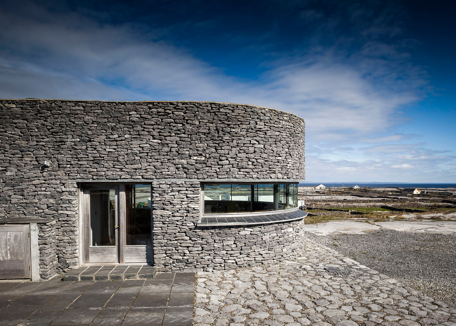 Inis Meáin Restaurant & Suites by Shane de Blacam, de Blacam and Meagher