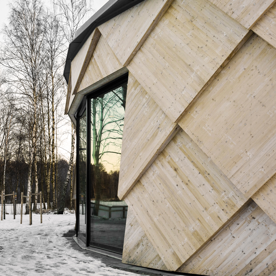 kotten-tengbom-trail-centre-sweden-wood-_dezeen_936_sq1