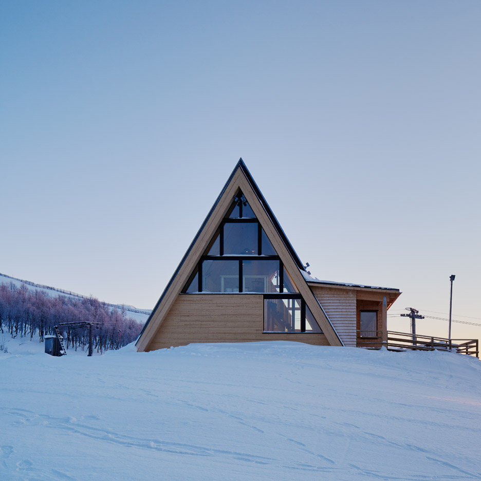Mountain restaurant Björk in Hemavan by Murman Architects