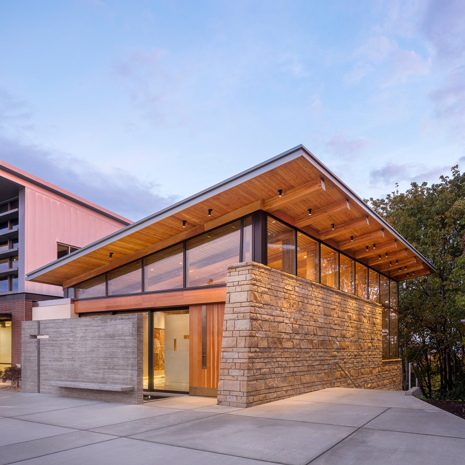 Seattle chapel by Hennebery Eddy features walls of rough sandstone and concrete