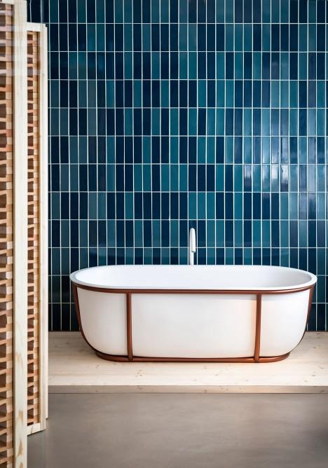 Patricia Urquiola's Cuna and Larian bathtubs for Agape