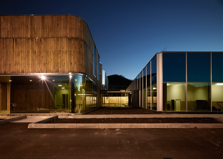 Prosciutto factory by Enzo Eusebi + Partners