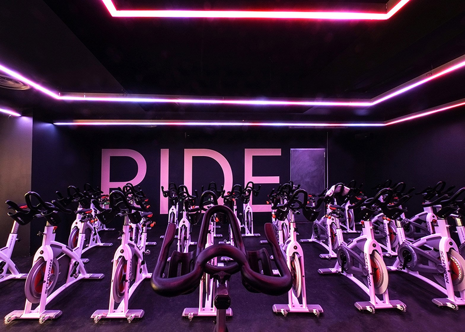 Ride spinning studio by Das Studio