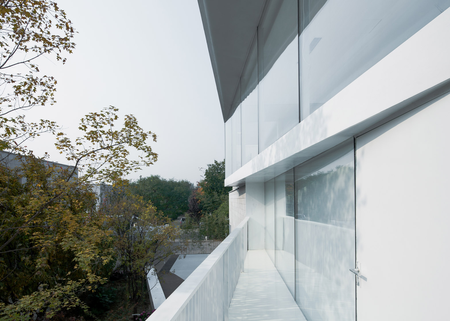 Shunyi House in Beijing by reMIX Studio