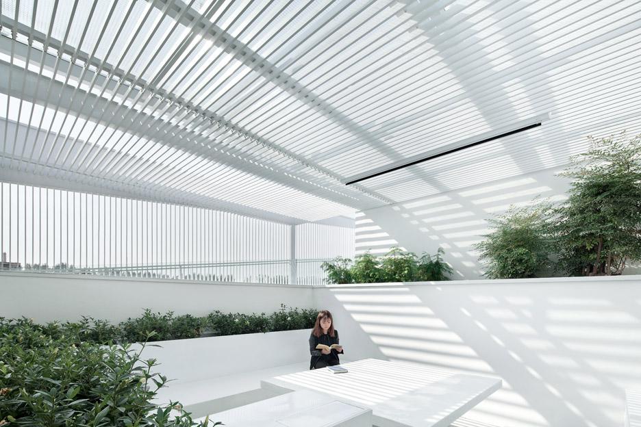 Shunyi House in Beijing by reMIX Studio