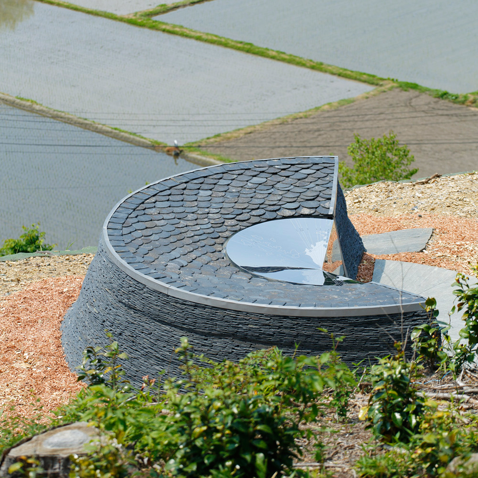 Stone memorial by Koishikawa Architects marks the 2011 Japan earthquake