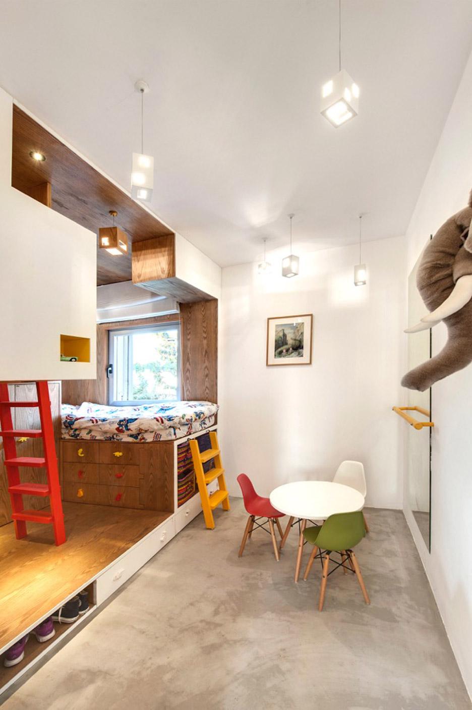 tel-aviv-house-gabrielle-toledano-interior-design_dezeen_936_6