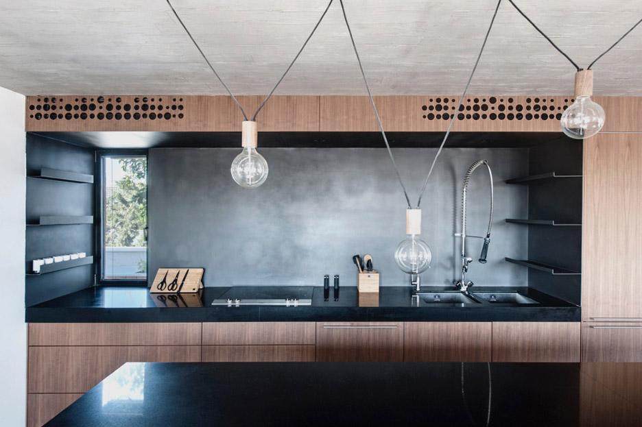 tel-aviv-house-gabrielle-toledano-interior-design_dezeen_936_8
