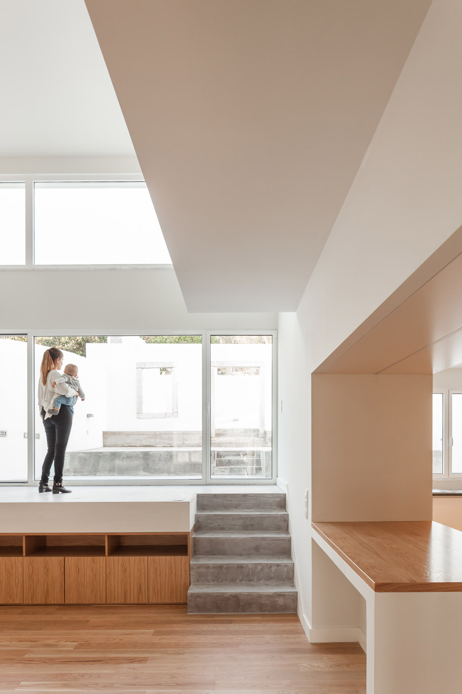 terras-8-house-casa-adjuda-colectivo-cais-belem-lisbon-portgual-house-renovation-francisco-nogueira_dezeen_936_21