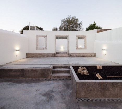 Terras 8 house by Colectivo Cais