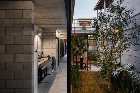 Villa Matilde House by Terra e Tuma Arquitetos