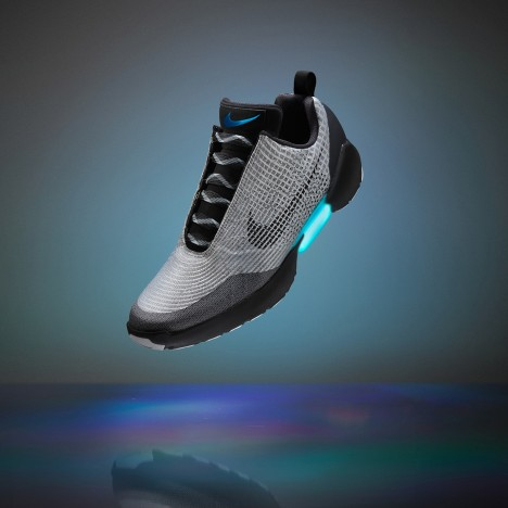 Nike_EARL_self_lacing_trainers_sneakers_HyperAdapt_dezeen_this-week-on-dezeen