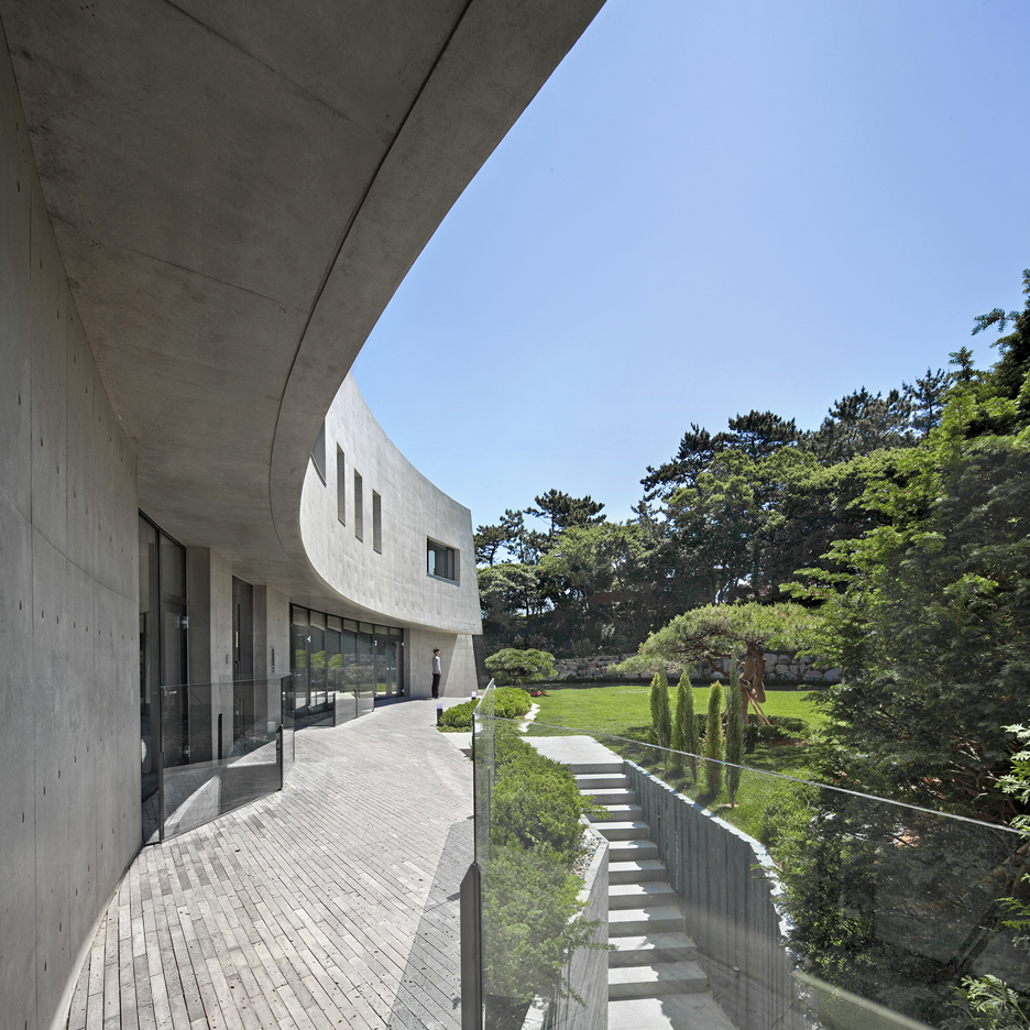 alleys-adventures-wonder-house-songdo-house-architect-k-busan-korea_dezeen_sq