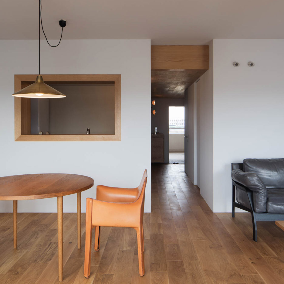 Japanese apartment interior - Still Life Paintings Influence Tokyo Apartment By Yumiko Miki Architects