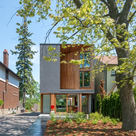 "Williamson Chong Architects adds ""carved"" facade to Toronto family home"