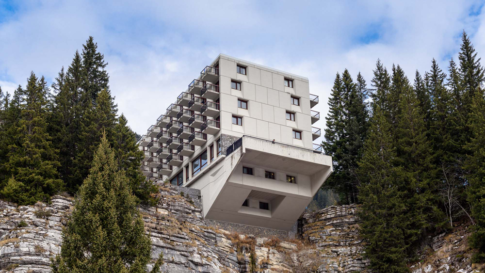 Alastair Philip Wiper captures Breuer's Flaine ski resort