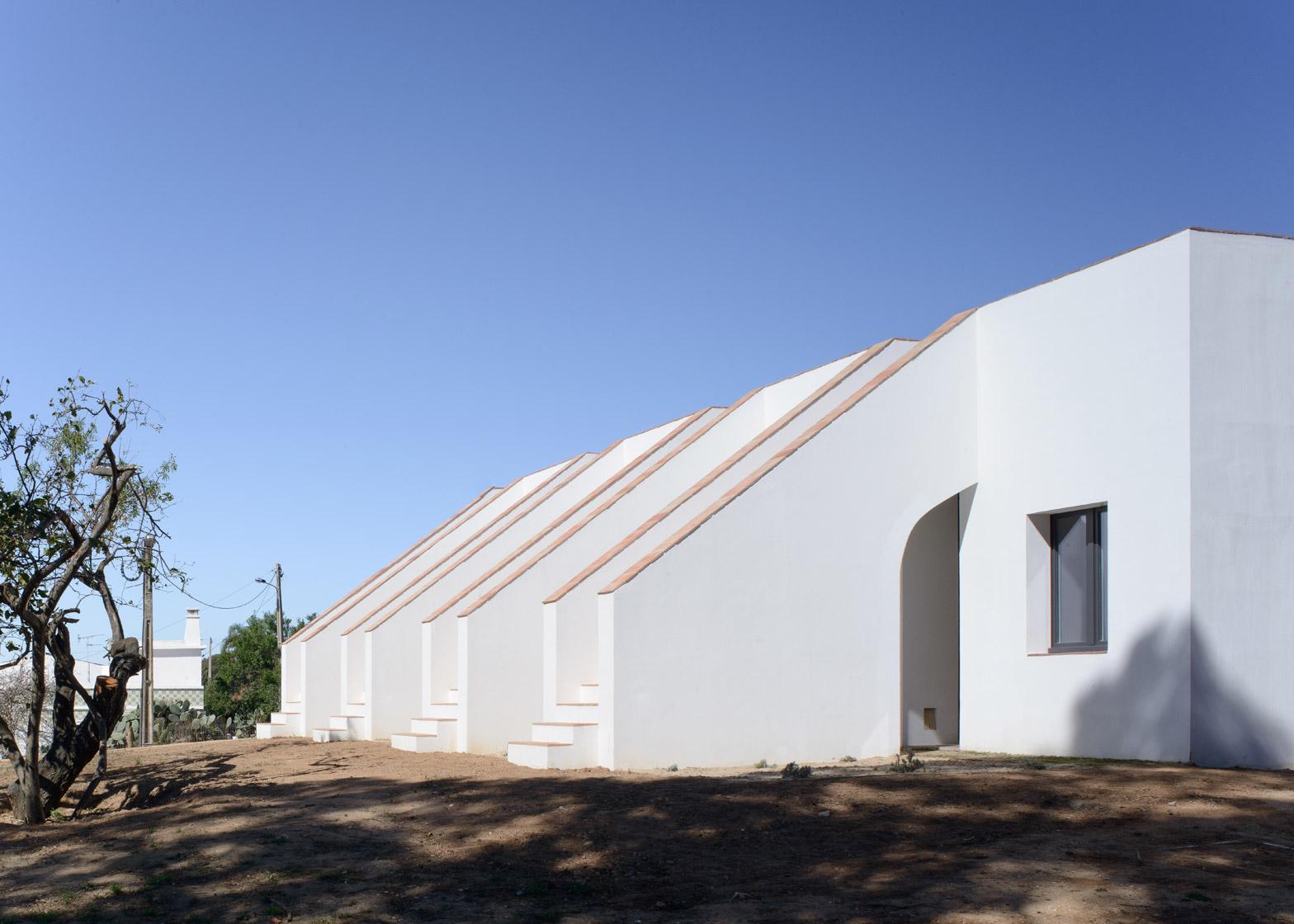1 Of 12; Casa Modesta By PAr