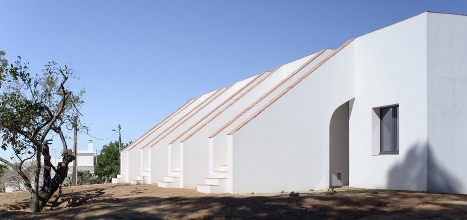 Casa Modesta by PAr