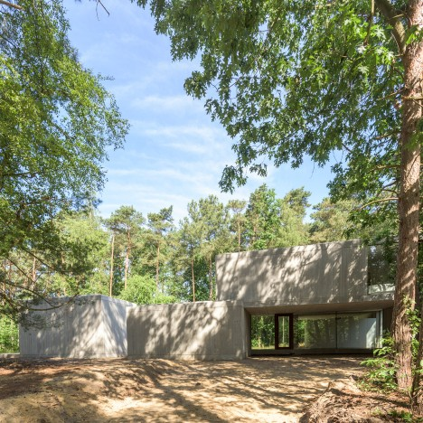 Concrete Sculpture in the Woods by Sculp [IT] Architecten in Keerbergen, Belgium