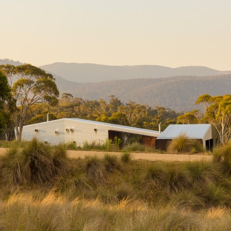 Casey Brown builds metal-clad house and stables in an Australian national park