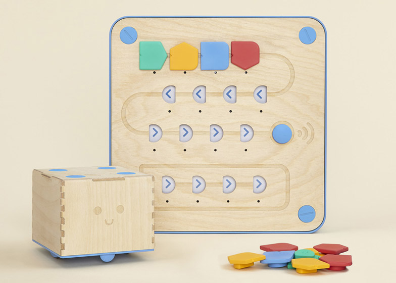 Cubetto wooden coding kit for children