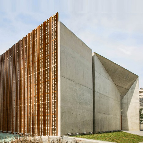 Faceted concrete and latticed timber frame Brazilian cultural centre by São Paulo Arquitetura