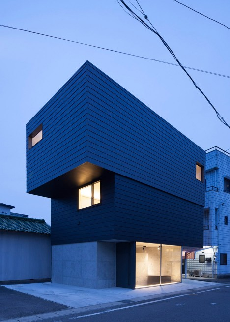 gaze-residential-art-gallery-apollo-architects-associates-aichi-japan-masao-nishikawa_dezeen_936_0