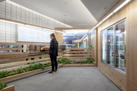 Grow Op juice bar in Toronto by Kilogram Studio