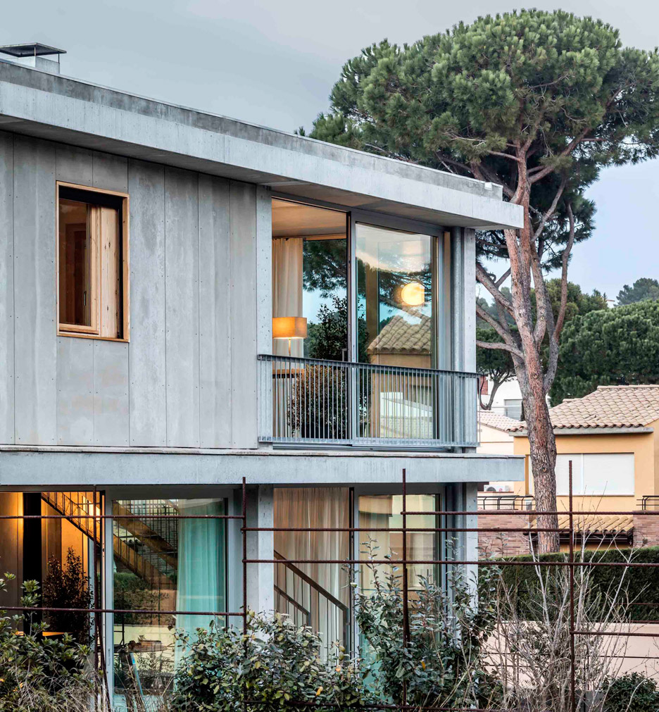 House 1217 in Girona by HARQUITECTES