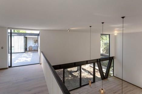 House LG by Gregorio Brugnoli Errázuriz