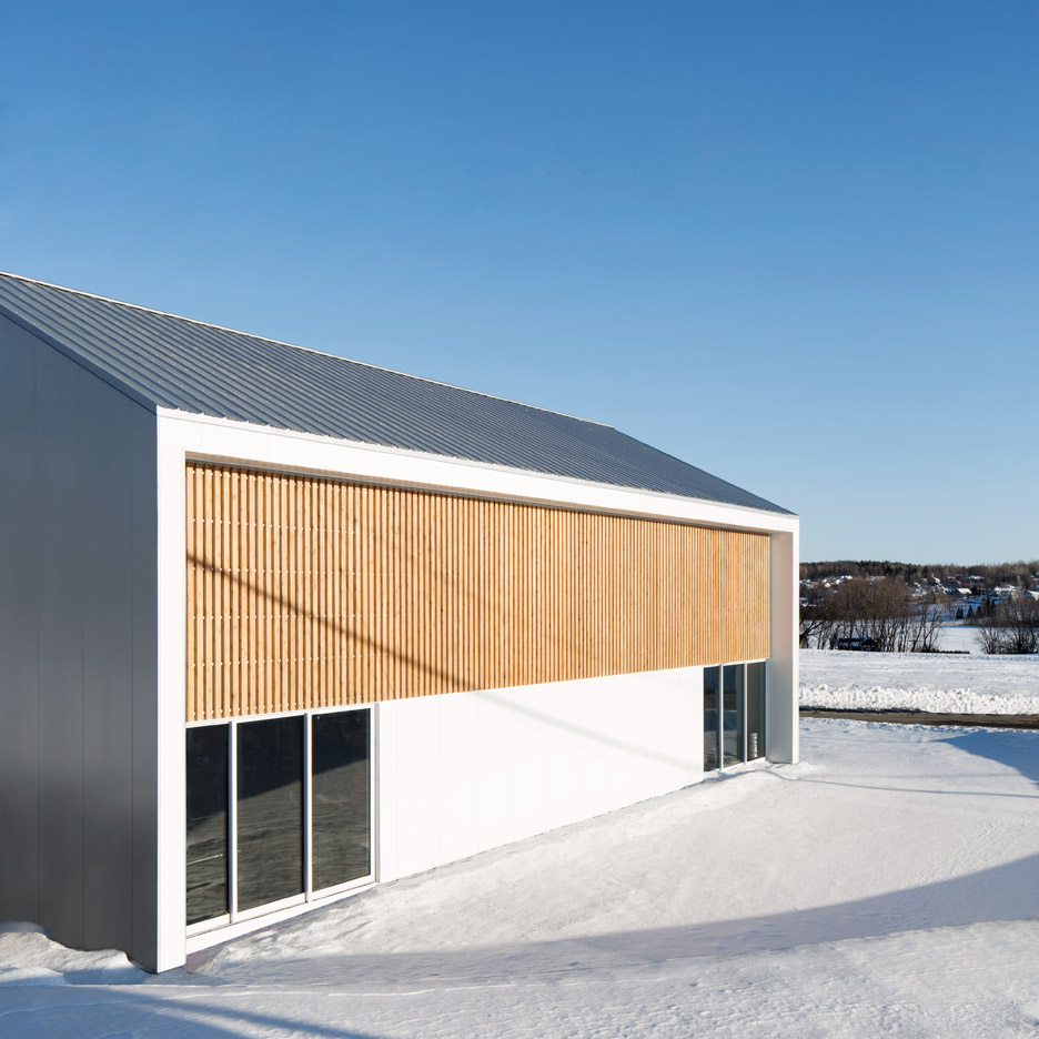 La taule sports and gymnastics centre by Architecture Microclimate, photography by Adrien Williams