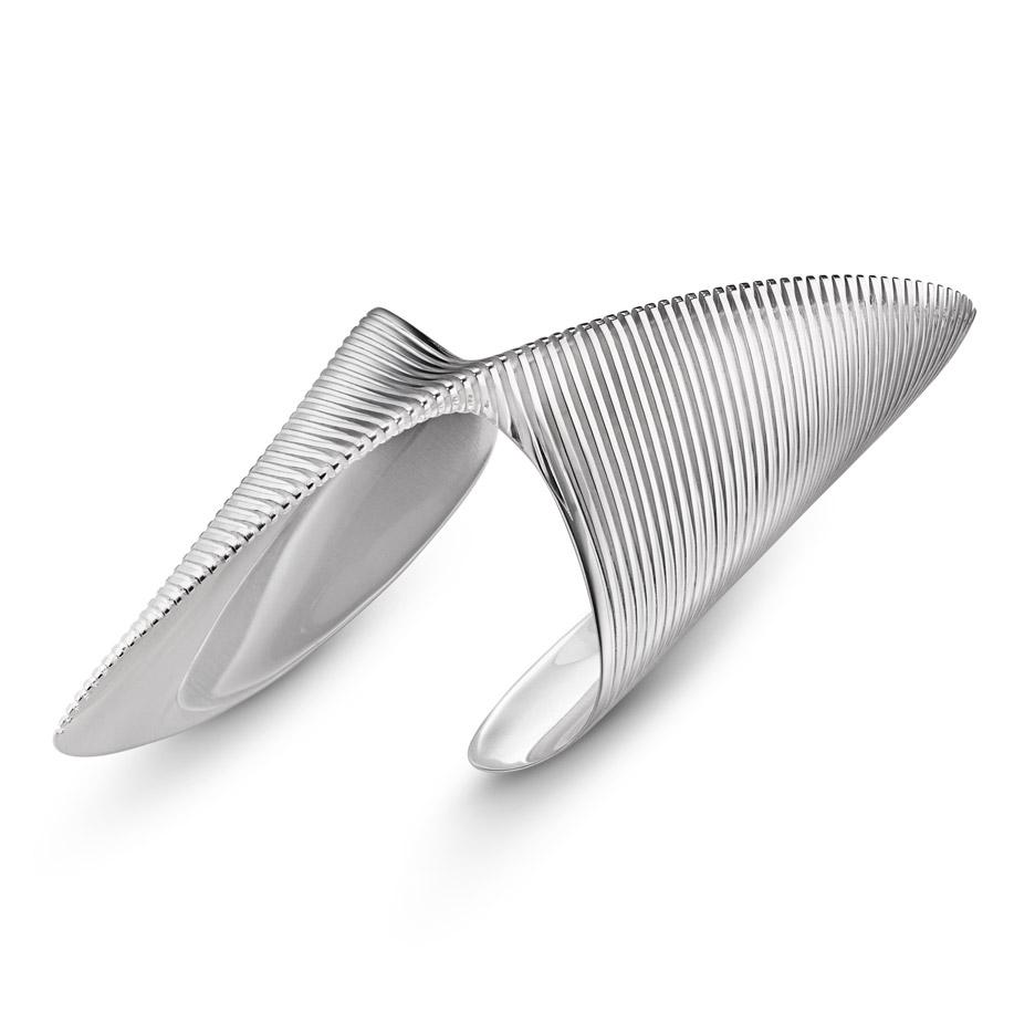 Zaha Hadid designs range of silver jewellery for Georg Jensen