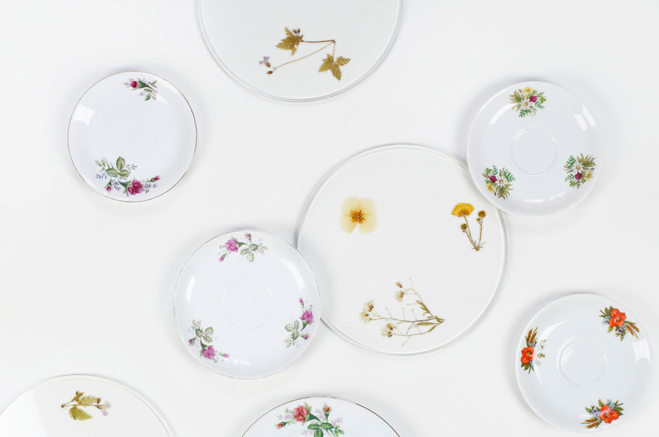 Meike Harde's Evergreen Platters contain pressed flowers