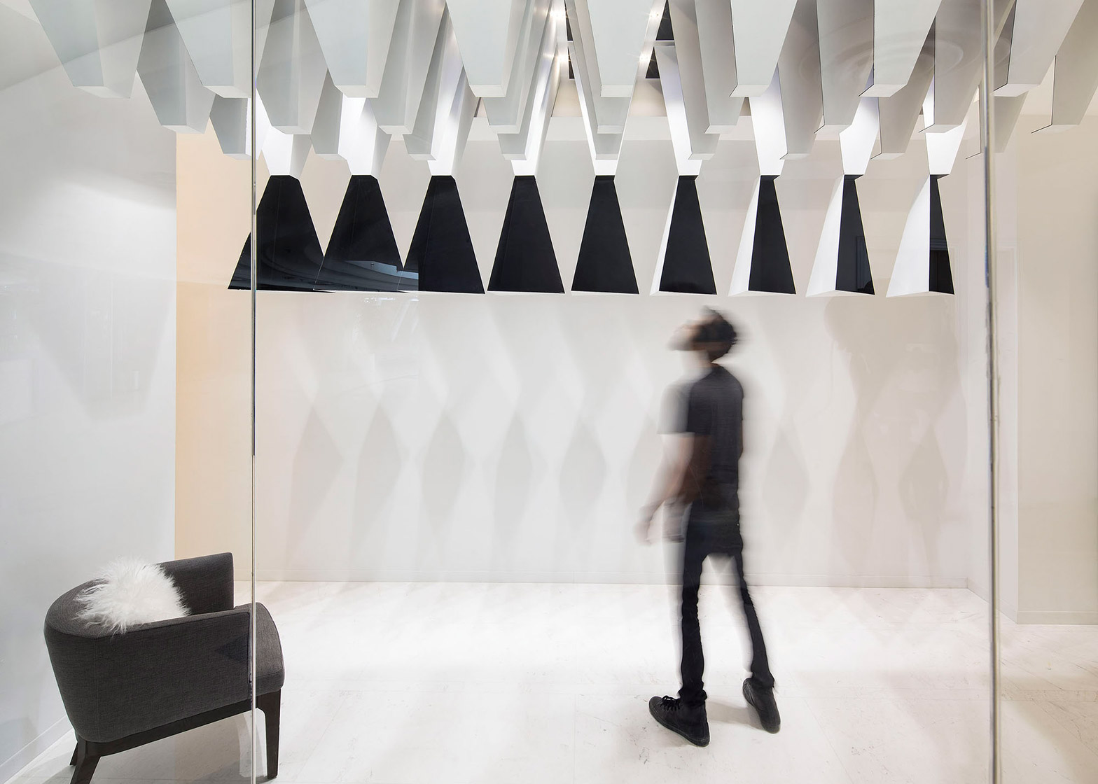 Massive Order Adds Monochrome Stalectites To Kuwait Boutique Interior