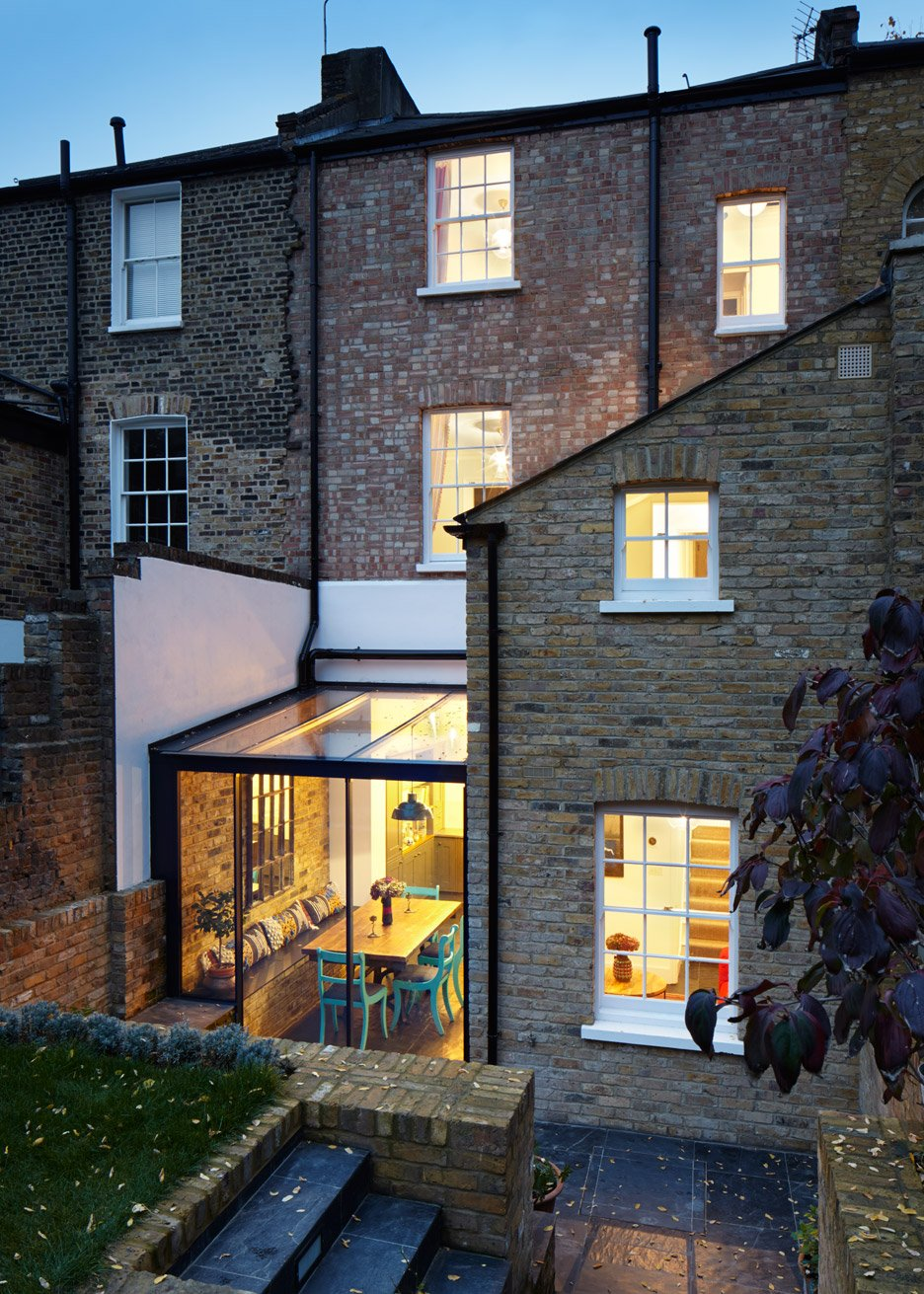 3novices h t adds jewel like glass extension to east london house 3noviceseurope. Black Bedroom Furniture Sets. Home Design Ideas
