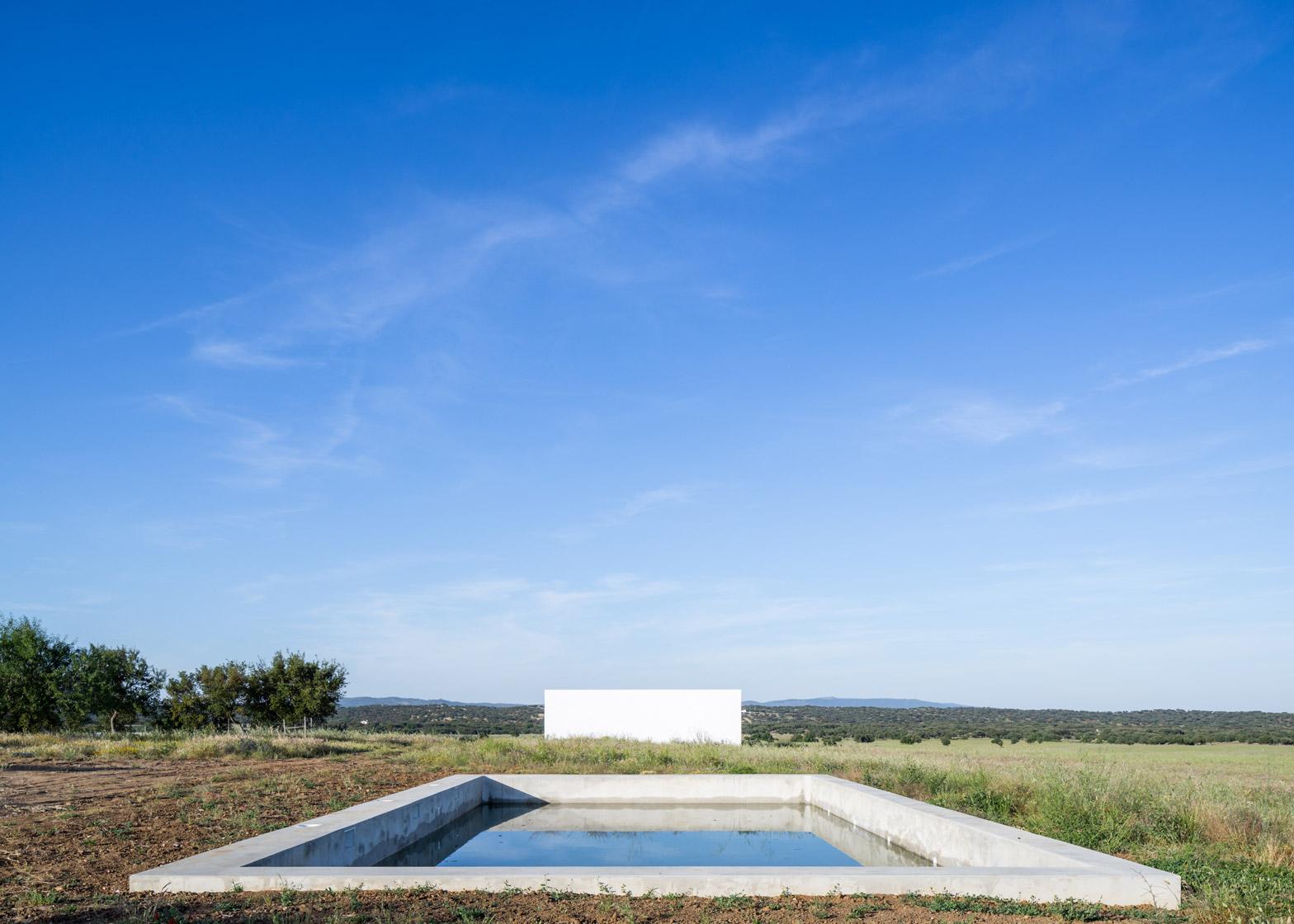 Monte da Azarujinha by Aboim Inglez Arquitectos
