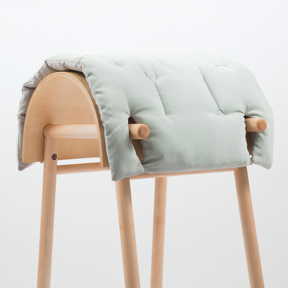 sali-chaise-objects-of-desire-sex-toy-dezeen-936