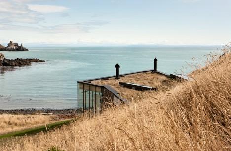 Seascape Retreat by Patterson Architects