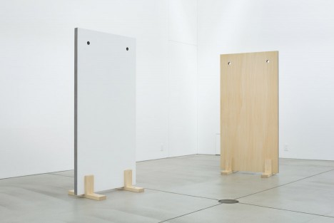 sponge-table-jo-nagasaka-design-furniture-tokyo-japan-takumi-ota_dezeen_936_2